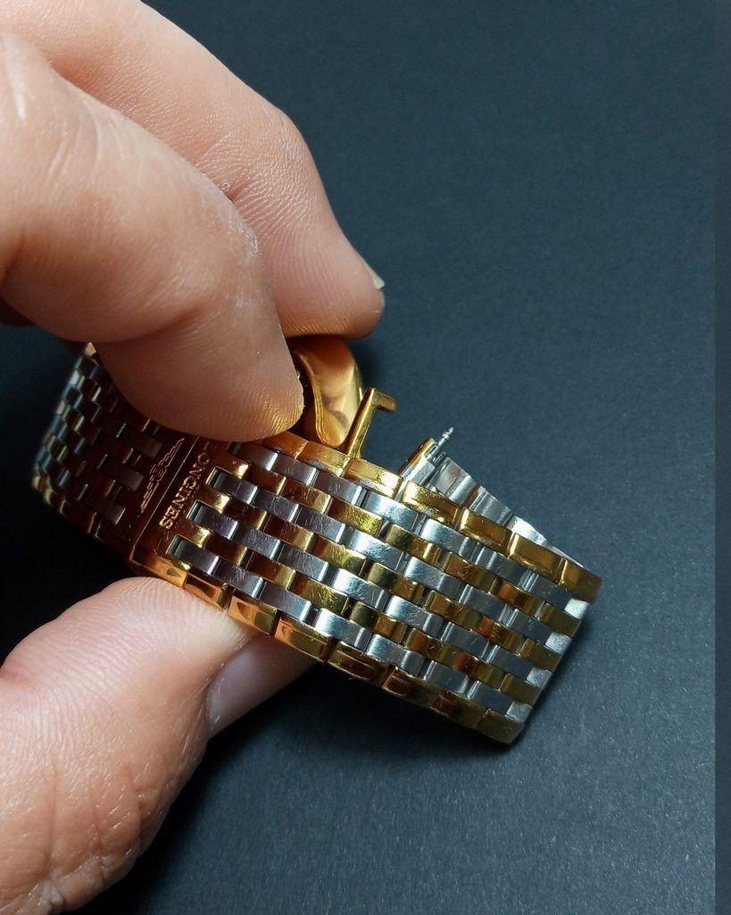 Como desarmar el brazalete de un reloj