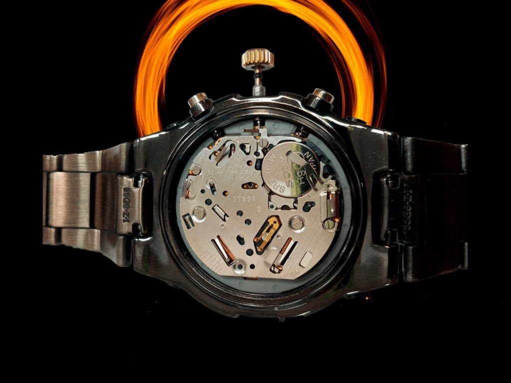 Reparación pulsador de un reloj