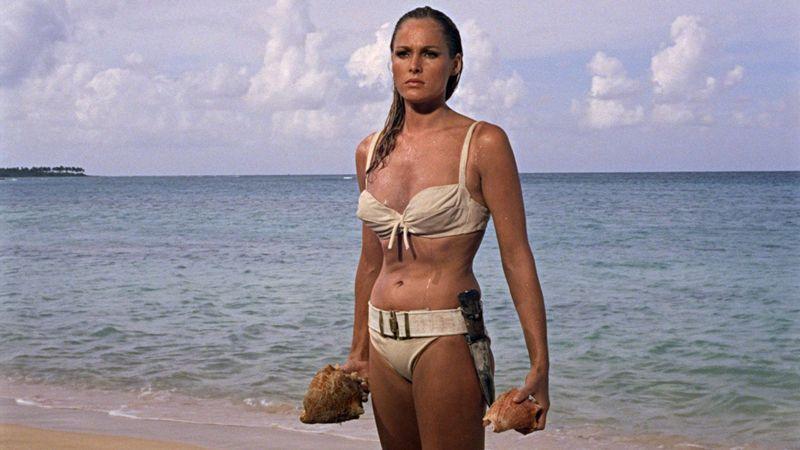 Dr No Ursula Andres como Honey Ryder en bikini